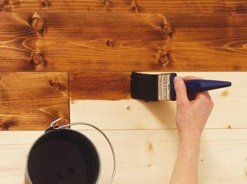 Нанесение покрытия вдоль волокон древесины