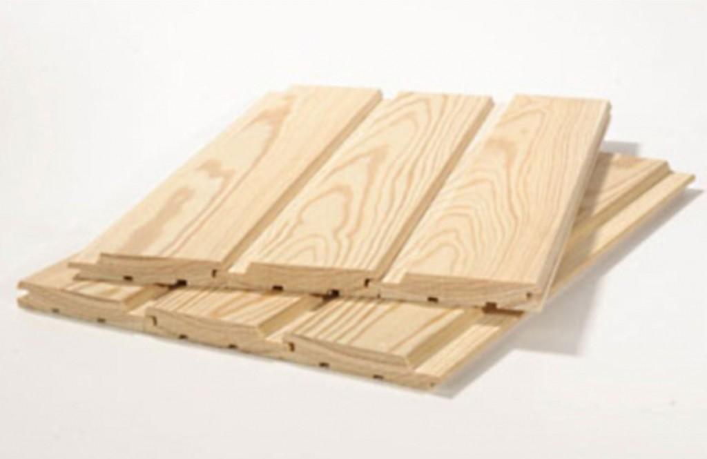 Соединённые между собой панели вагонки с характерным структурным рисунком древесины, который ни с чем не спутаешь