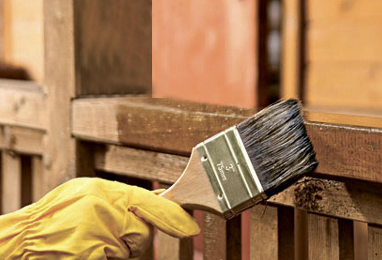 При создании деревянного каркаса, все его элементы необходимо обработать специальными составами, чтобы они в будущем не испортились, по разным причинам, и прослужили как можно дольше