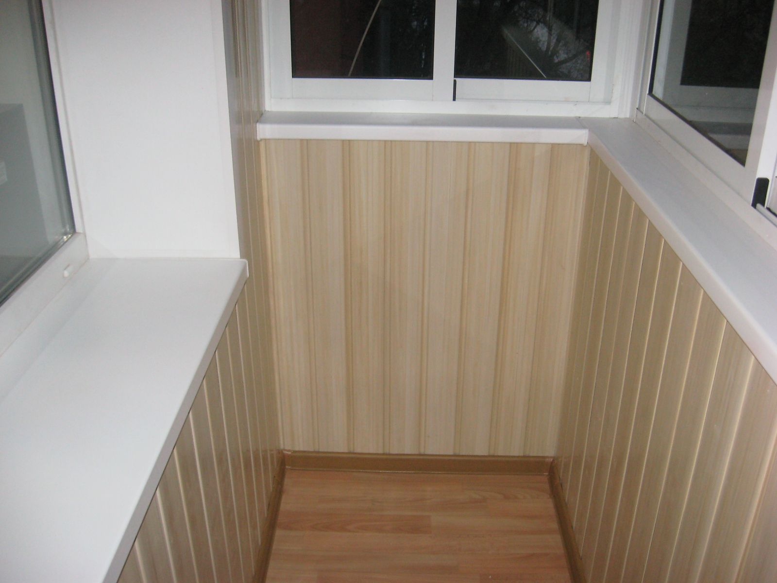 Обшивка балкона пвх вагонкой