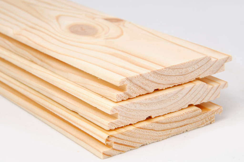 Пример евровагонки увеличенный и в разрезе, она может быть из различной древесины и разных цветов и оттенков