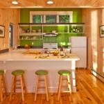 Дубовая кухонная зона в темных тонах