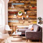 Декоративная стена из разноцветной вагонки