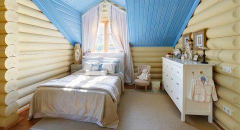 Потолок из вагонки в детской комнате