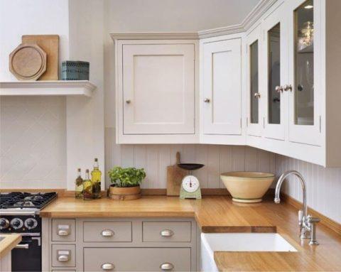 Белая вагонка ПВХ в интерьере кухни – такой фартук легко мыть, так как он не боится воды
