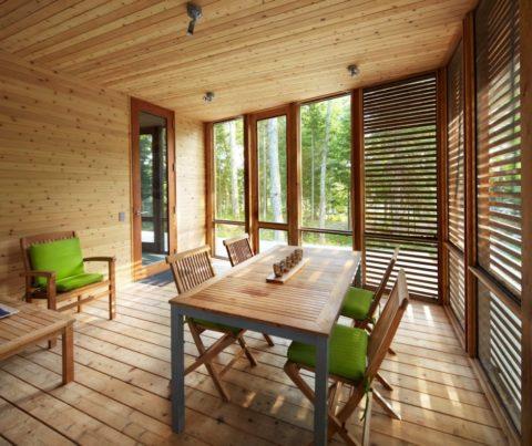Вагонка – натуральный материал, идеально вписывающийся в загородные постройки
