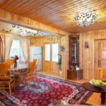 Классический загородный дом, обшитый вагонкой, в понимании русского человека