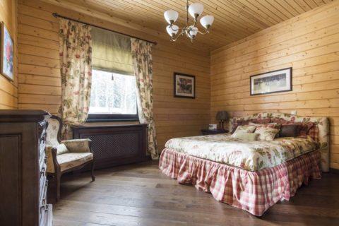 Текстиль и мебель в этом помещении приближает эго к стилю Прованс