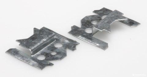 Металлический кляймер для вагонки