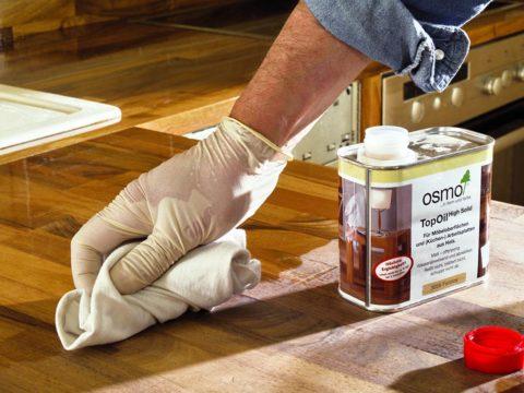 Обработка маслом деревянной поверхности