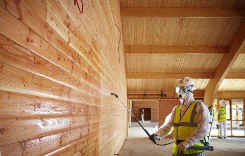 Деревянные поверхности нуждаются в защитном покрытии