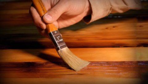 Правильно подобранное покрытие сохраняет свойства древесины