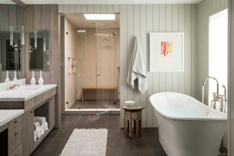 ПВХ-вагонка в отделке ванной комнаты