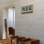 Портал в деревянной перегородке